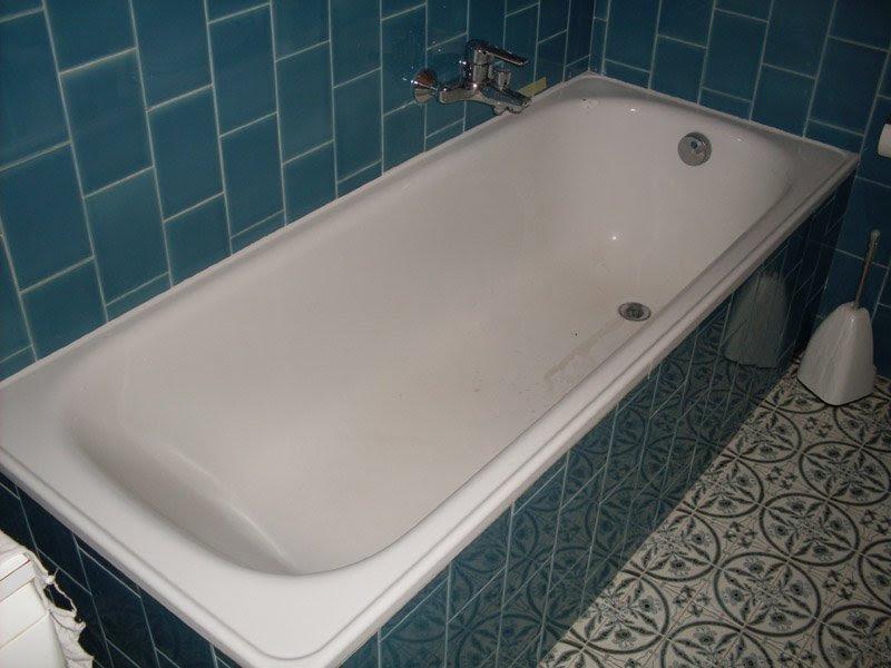 Guida sulla rimozione di una vecchia vasca da bagno