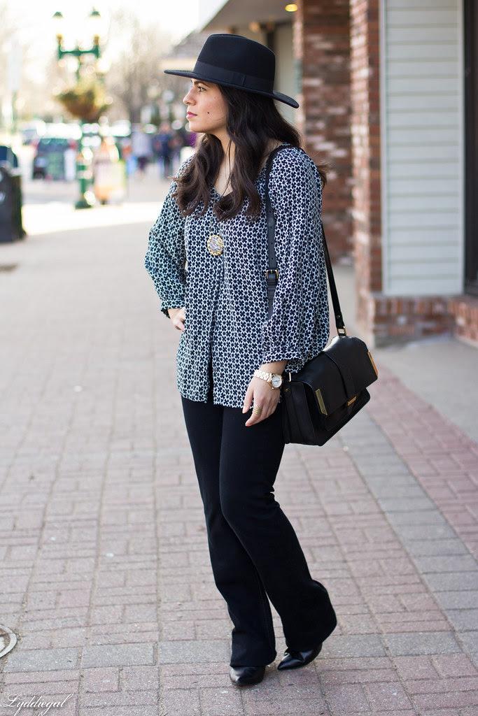 printed blouse, jeans, fedora-2.jpg