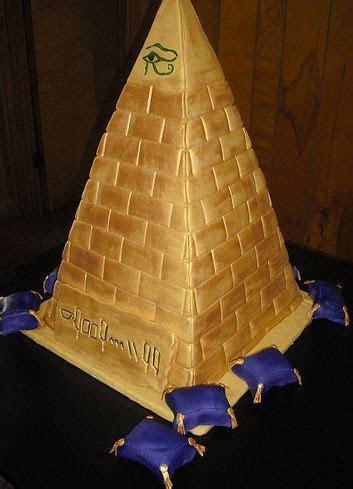 Gold pyramid cake