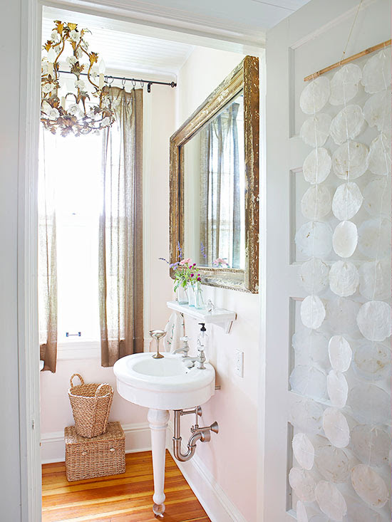 Bathrooms with Vintage Style