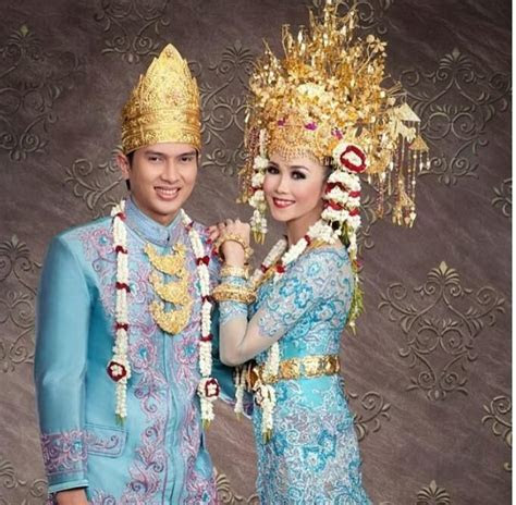 25  best ideas about Indonesian Wedding on Pinterest
