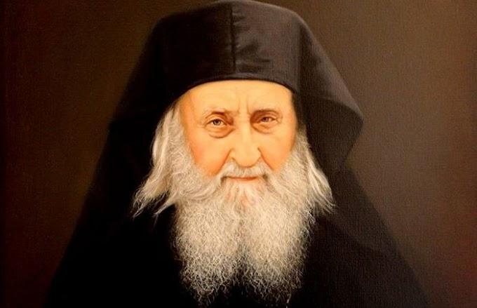 Έως την ώρα που ανέτελλε ο ήλιος… προσευχόταν συνεχώς με το «Πάτερ ημών». (Γέροντας Σωφρόνιος του Έσσεξ)