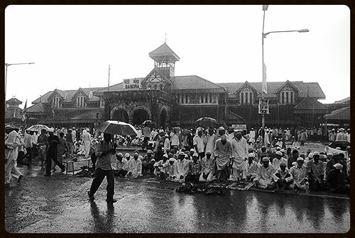 The Rains And Eid Ul Fitr Namaz 2010 by firoze shakir photographerno1