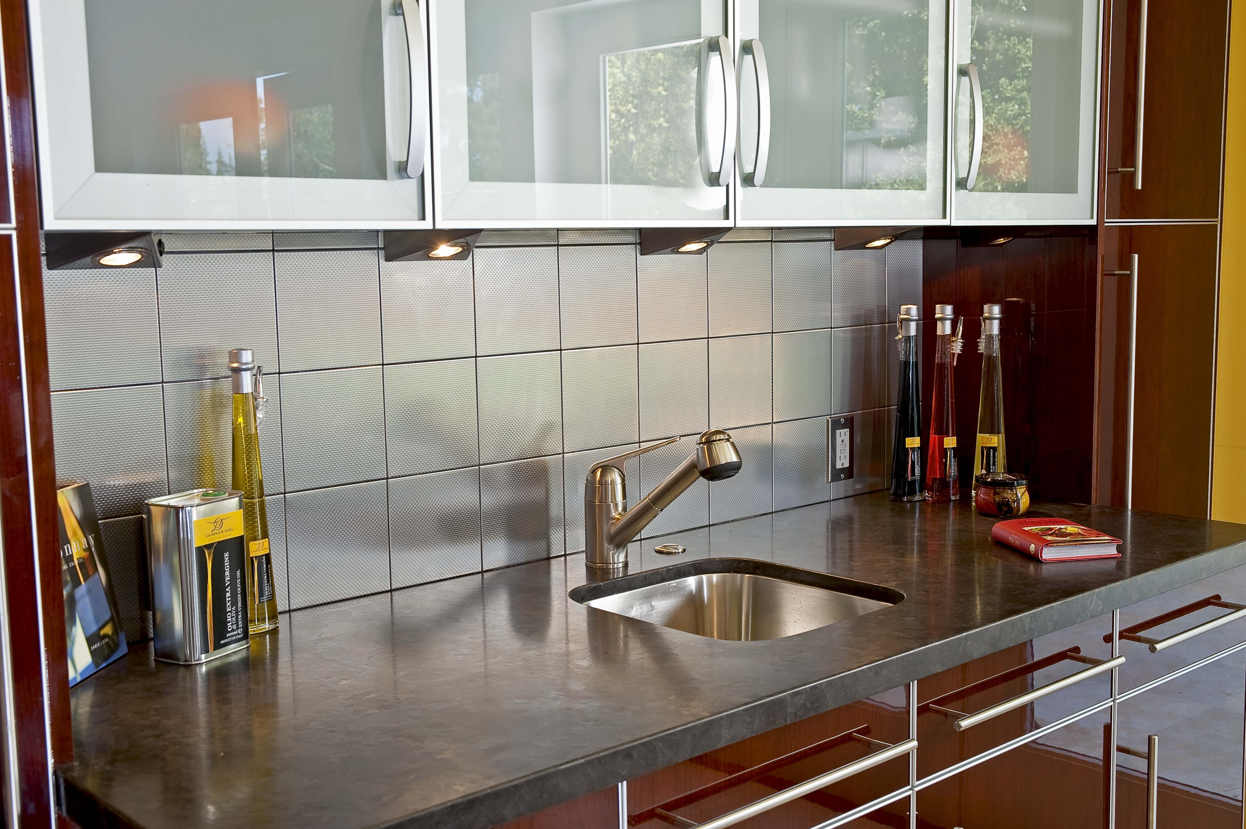 Modern / Retro Kitchen in Palo Alto by Danenberg Design