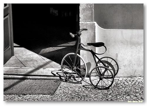 Triciclo #3 (b/w) by VRfoto