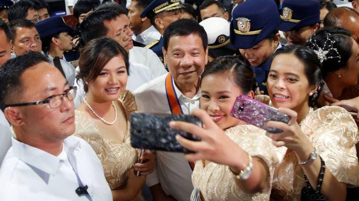 Tổng thống Rodrigo Duterte nói về bước ngoặt trong quan hệ với Trung Quốc