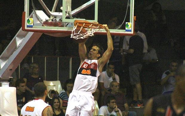 Duda, Flamengo e Joinville (Foto: Thiago Lavinas / Globoesporte.com)