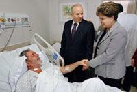 Dilma Rousseff visitó a  Lula en la clínica. Foto: AP