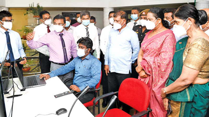 Health Minister Pavithra Wanniarachchi inspected the activities of the Navinna Bandaranaike Ayurvedic Research Hospital in Maharagama yesterday (02). Indigenous Medicine Promotion, Rural and Ayurvedic Hospital Development and Community Health State Minister Sisira Jayakody was also present on the occasion.