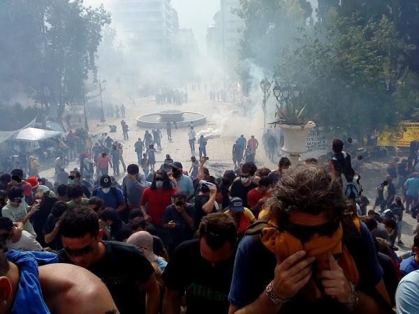 Ubicada en el centro de Atenas, la Plaza Syntagma es el símbolo de resistencia griega a la presión de los mercados