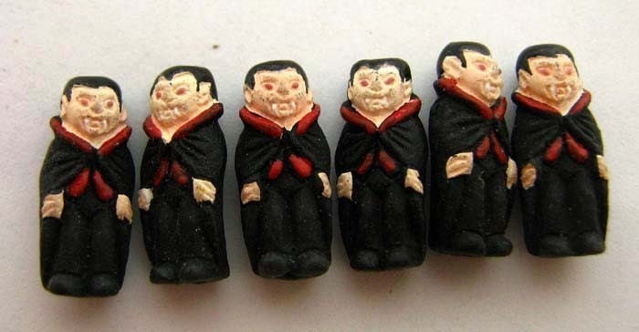 4 Tiny Vampire Beads - CB523 - TheCraftyBead
