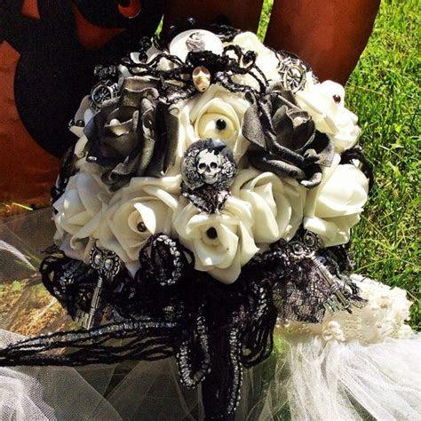 25  best ideas about Skull Wedding on Pinterest   Gothic