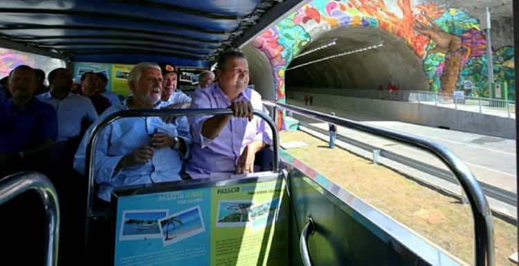 Wagner e Rui estiveram na entrega da Linha Azul - Foto: Manu Dias | GOVBA | Divulgação