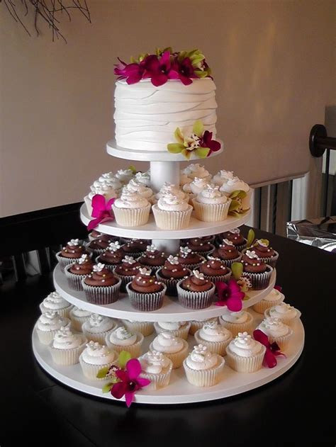 25  best ideas about Wedding cupcake towers on Pinterest