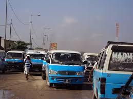 Taxis_Luanda 19-07-2017 apoiam a  UNITA.jpg