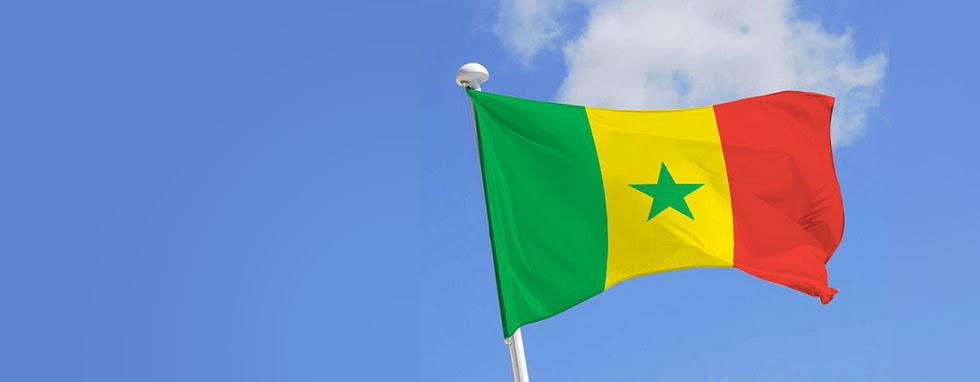 Le Drapeau Et La Devise De La République Du Sénégal