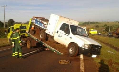 Motorista embriagado, sem CNH e na contramão causa acidente na BR 277