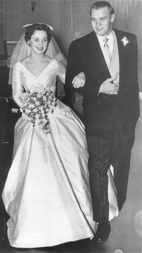 Harvey Kuenn and Dixie Sarchet wedding 1955   Famous Weds