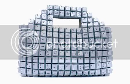 Bolsa feita com teclas do teclado