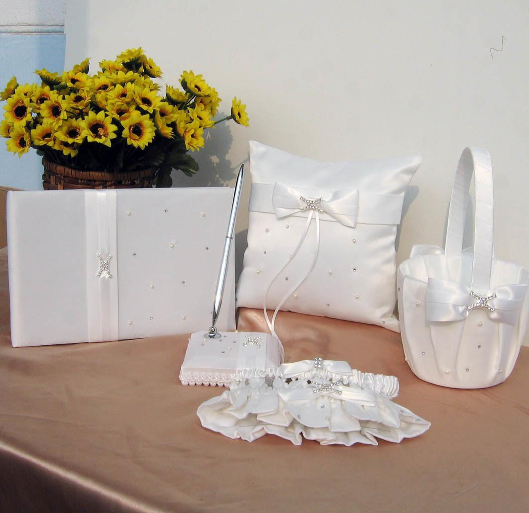 wedding hair accessories, wedding cakes, wedding dresses ring pillow, wedding accessories-36