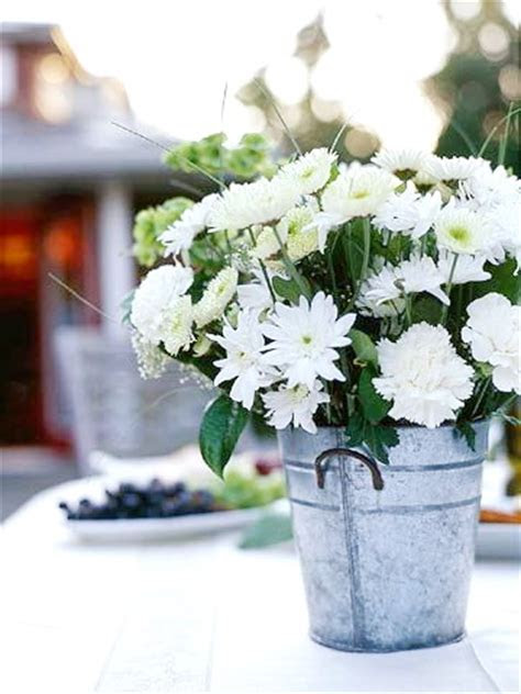 Top 16 Rustic Centerpiece Designs For Easy Country Party