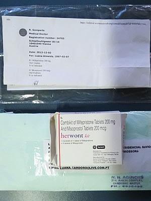 Remédio abortivo e receita encaminhados à menina foram apreendidos pela polícia (Foto: Polícia Civil)