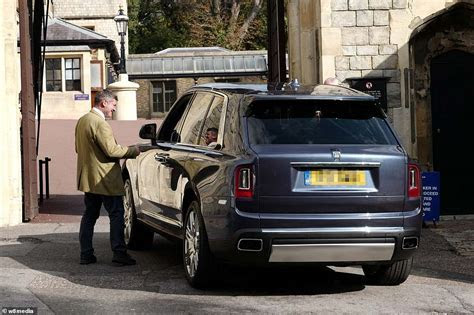 Rolls Royce off roader arrives at Windsor Castle   Daily