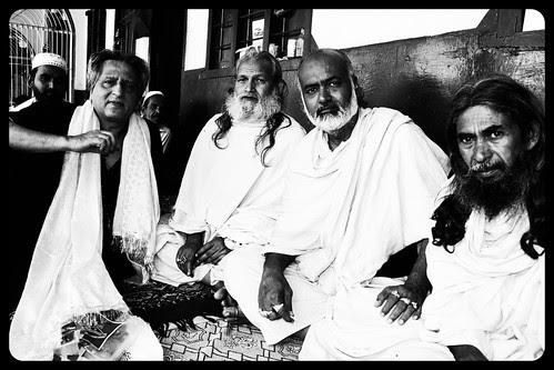 Documenting Ya Waris Pak Dewa Sharif by firoze shakir photographerno1