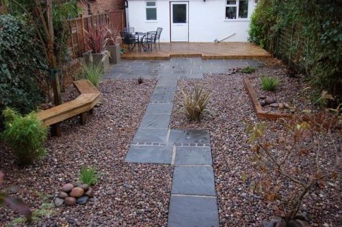 10 ideas for affordable garden design