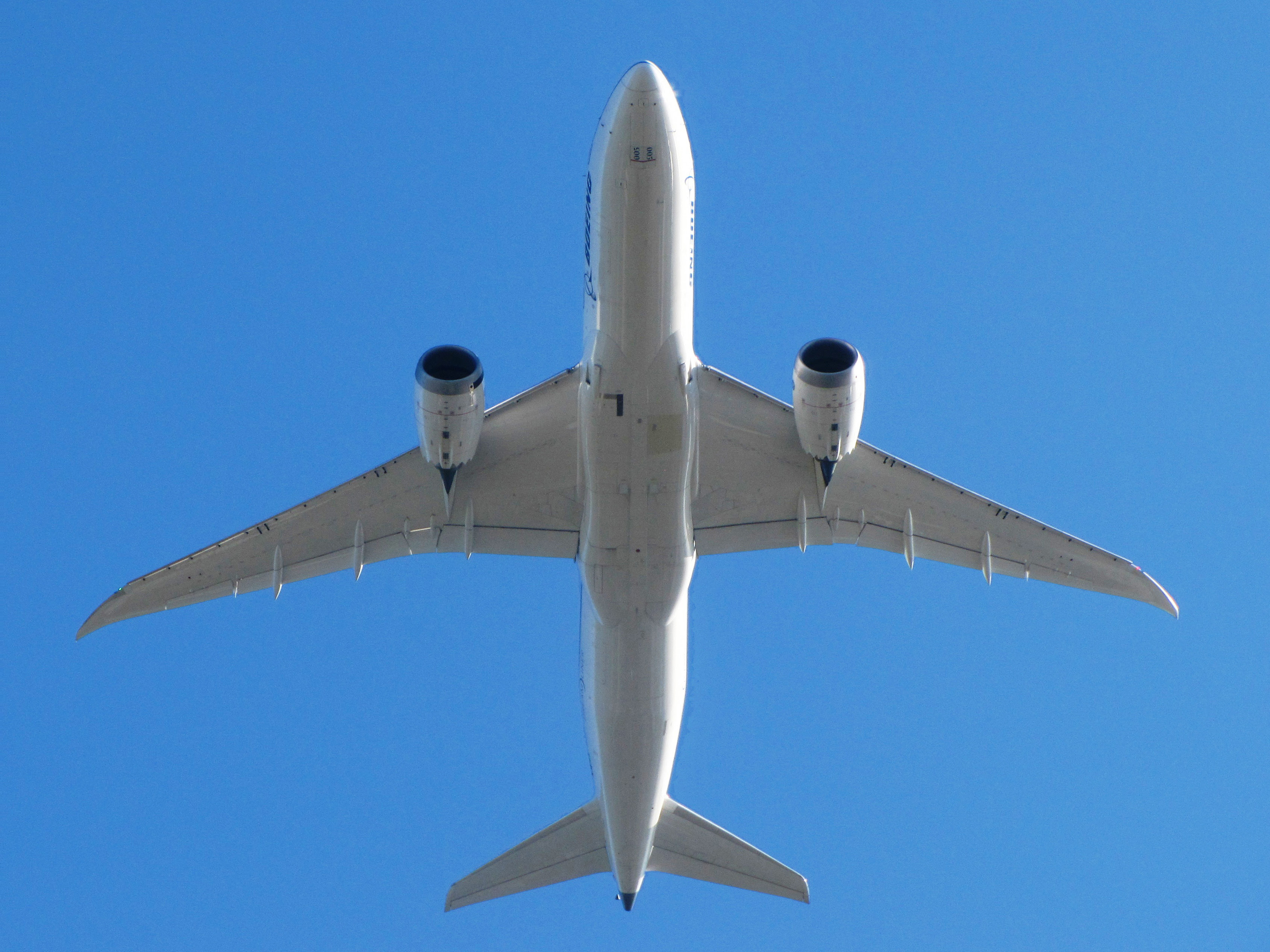 Boeing 787 Dreamliner - Wikipedia, the free encyclopedia