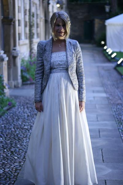 Cream-vintage-dress-silver-zara-blazer-silver-jimmy-choo-pumps_400