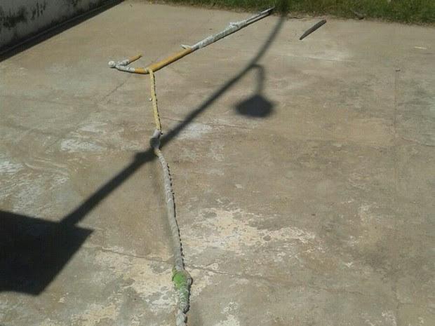 Corda feita com lençóis utilizada por preso durante fuga foi apreendida (Foto: Valcilande de Souza/Arquivo Pessoal)