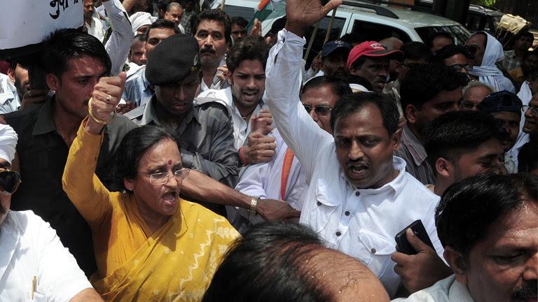 Muere un líder político en un ataque maoísta con 27 muertos en la India