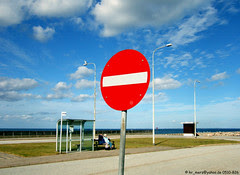"""A no-entry sign in Fyn Harbour / Ein """"Ver..."""