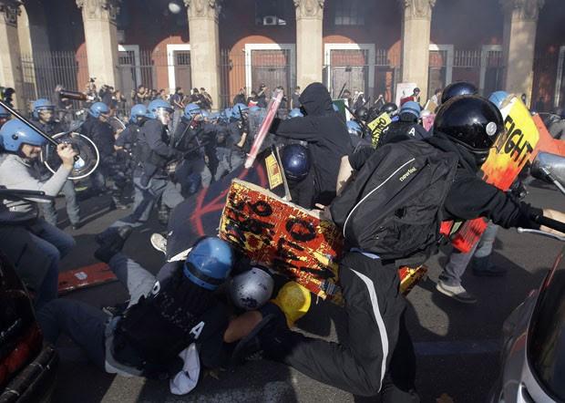 protesto italia 620 (Foto: Gregorio Borgia/AP)