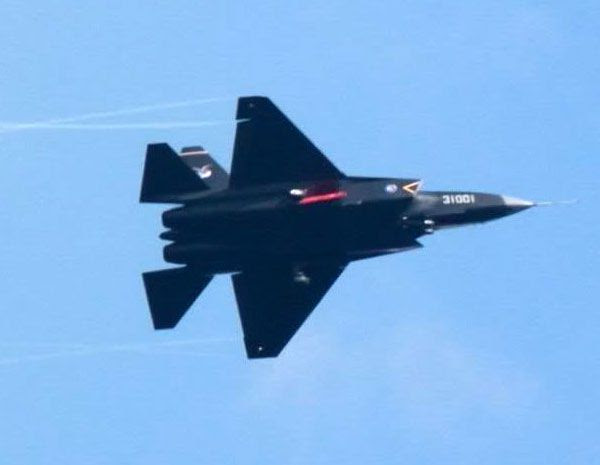 The Shenyang J-31... China's new stealth fighter jet.