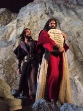 """Filme """"Os Dez Mandamentos"""" supera 3,7 milhões de espectadores e se mantém em 1º lugar"""