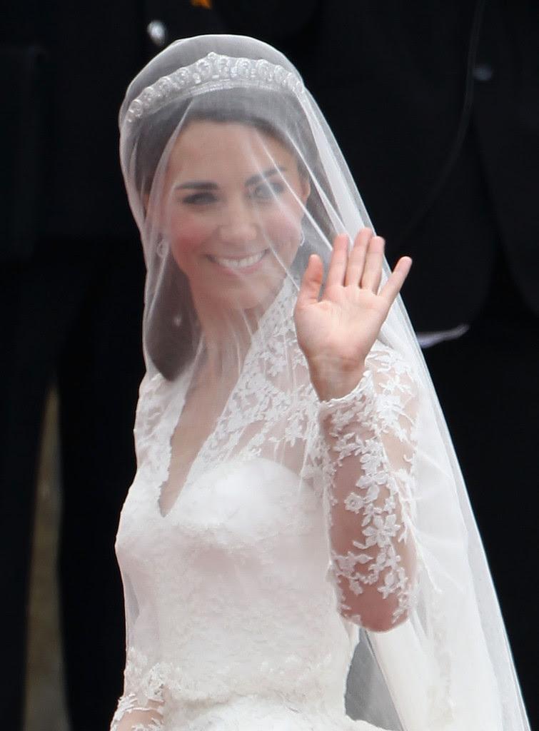 20 Wedding Hairstyles With Veil Ideas - Wohh Wedding
