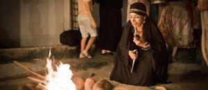 Grupo resgata rituais ancestrais, pratica poligamia e vive num casarão em Laranjeiras