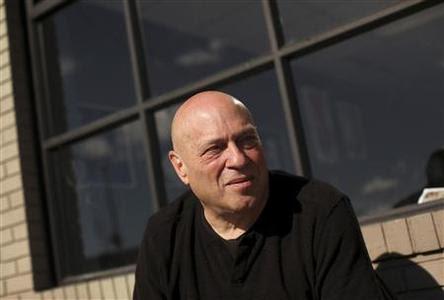 Jeff Spirer, 61, poses for a portrait in San Francisco, California November 9, 2012. Picture taken November 9, 2012. REUTERS-Robert Galbraith