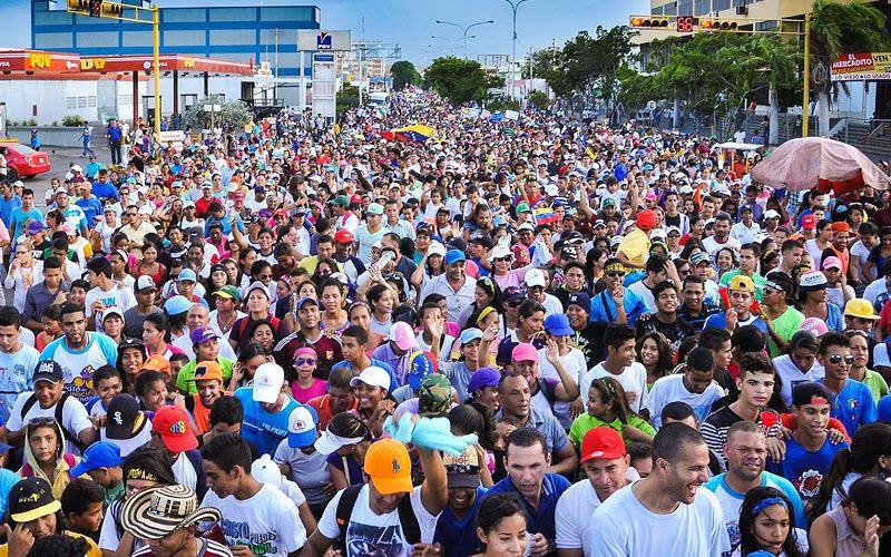 Venezuela 'marcha por Jesús' en plena crisis