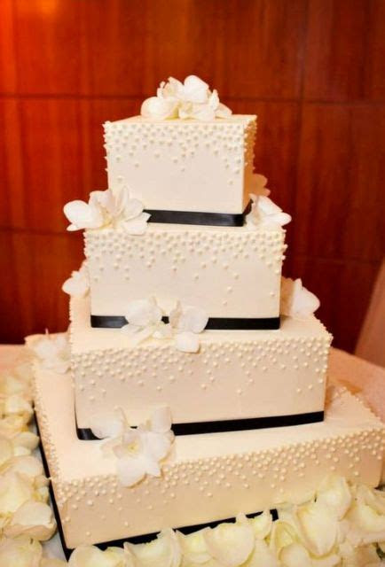 52 Gorgeous Square Wedding Cake Ideas   Weddingomania