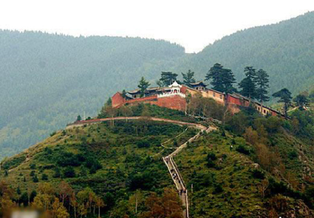 Dai Luoding Temple