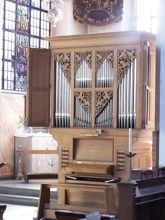 Jakobs kyrka choir organ.jpg