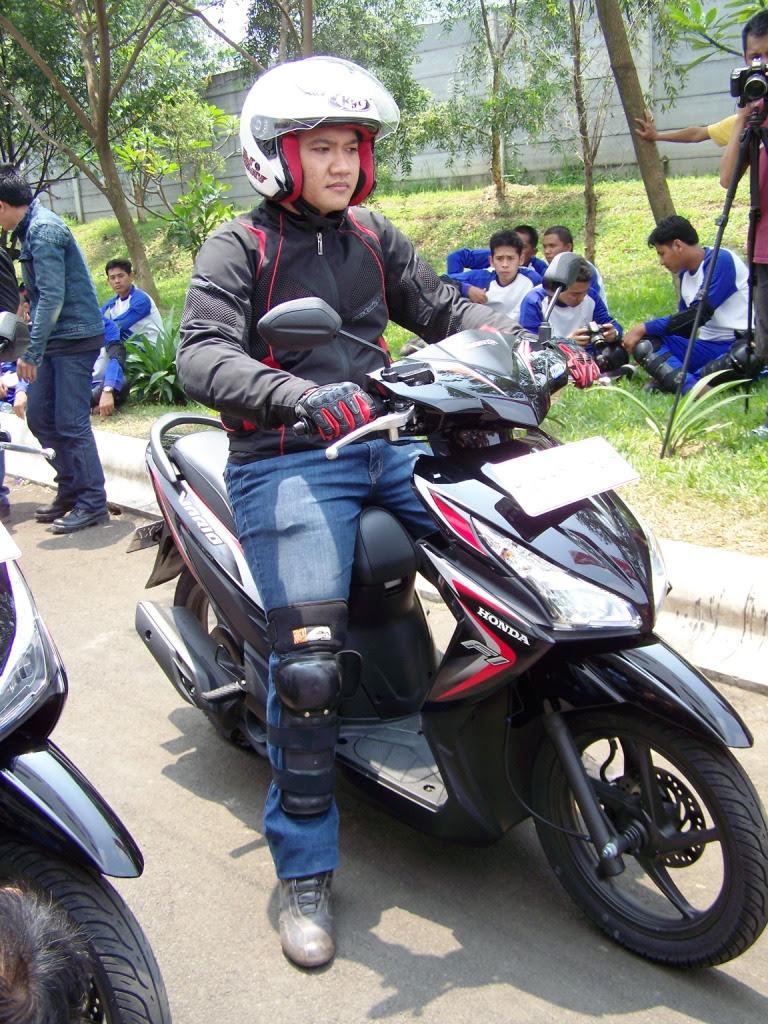 Test Ride Honda Vario 110 Fi Nyaman Dan Lincah MONKEYMOTOBLOG