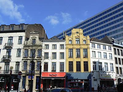 deux styles à Bruxelles.jpg