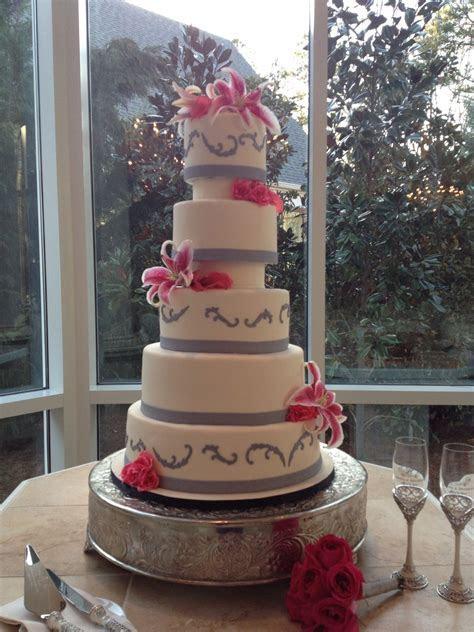 Hot pink and gray wedding cake ssooo gonna be my wedding