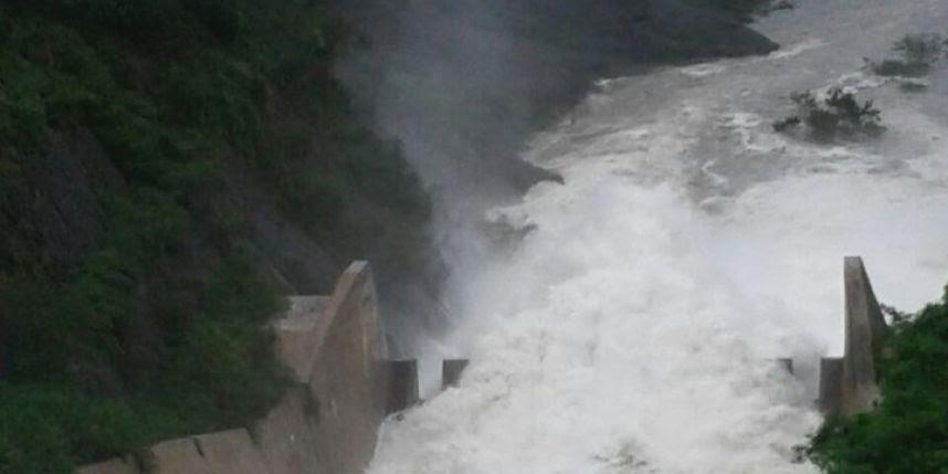 Aumentan desfogue presa Tavera; liberan 500 metros por segundo