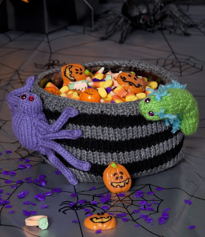 Free knitting pattern for Bug Infested Bowl