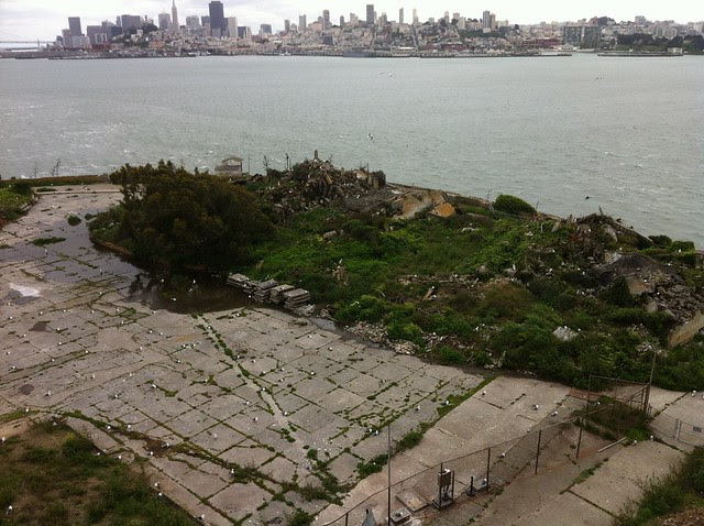 Alcatraz - Family housing ruins with San Francisco overlooking